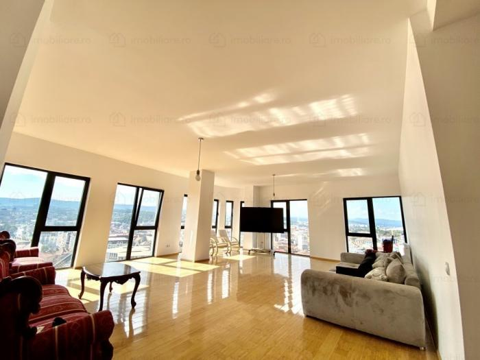 Cum arată apartamentul de două milioane de euro scos la vânzare în Cluj. Cu aceeaşi bani, poţi cumpăra două castele în Austria sau patru în Ungaria   GALERIE FOTO