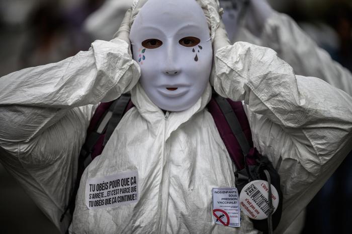 Italia, prima țară din Europa care face obligatoriu certificatul Covid. Franța a suspendat 3000 de angajați care nu s-au vaccinat