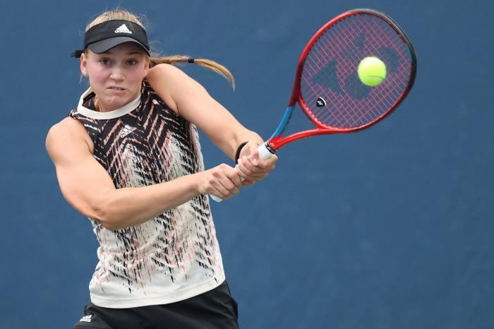 Elena Rybakina, în timpul unui meci jucat la US Open 2021