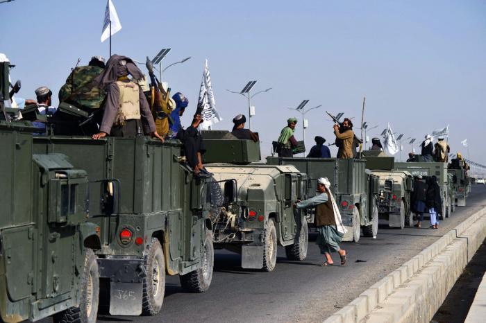 Talibanii au sărbătorit victoria din Afganistan organizând parade în Kandahar