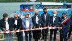 Înghesuială la tăiat panglica. Centru pentru copii inaugurat cu şapte foarfece, de Raluca Turcan şi alţi oficiali