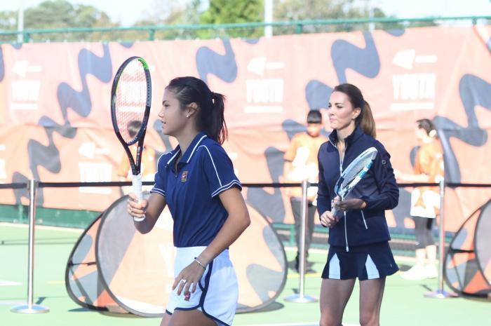 Ducesa de Cambridge s-a bucurat să joace tenis alături de câștigătoarea US Open Emma Răducanu