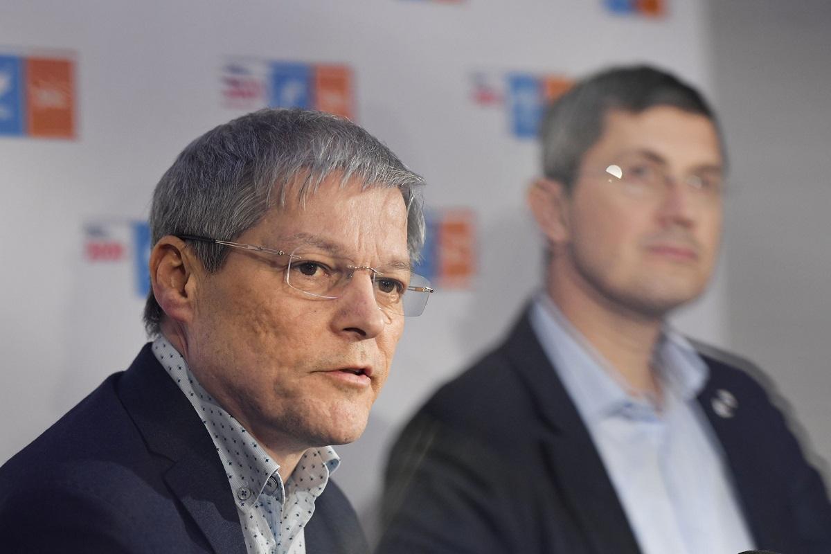 Florin Cîţu invită USR PLUS la masa discuţiilor, dacă renunţă la colaborarea parlamentară cu AUR şi PSD. Premierul exclude varianta unui guvern minoritar