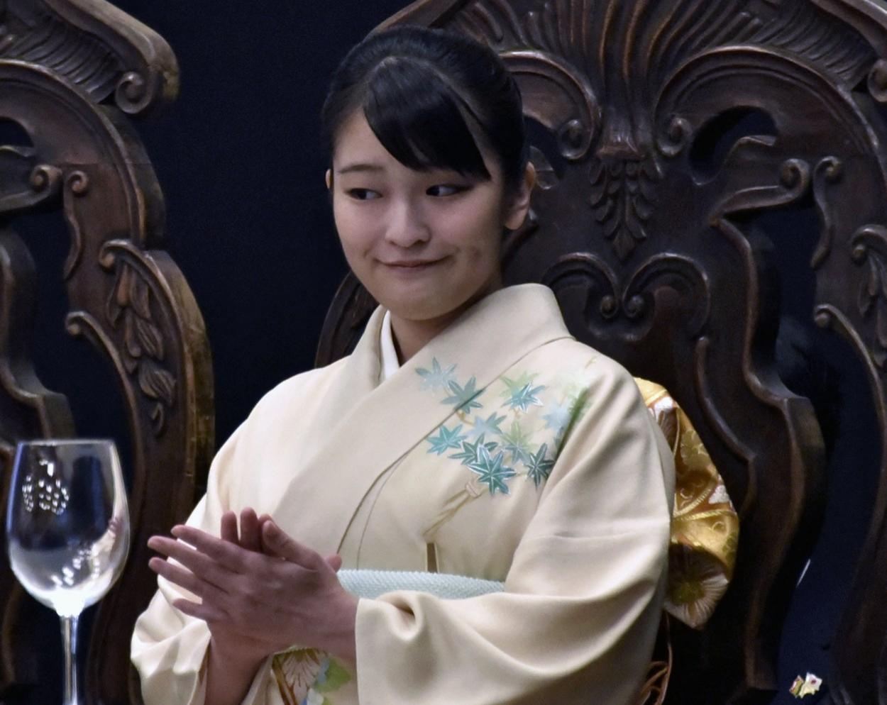 Prinţesa japoneză Meiko trebuie să aleagă între familie, bani şi iubire
