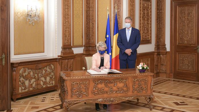 Primele imagini cu Klaus Iohannis și Ursula von der Leyen. Președinta Comisiei Europene a fost primită la Palatul Cotroceni