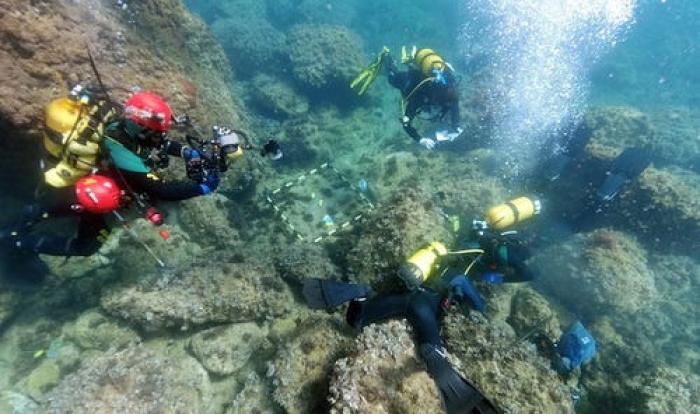 Doi scafandri au dat, din greşeală, peste o adevărată comoară, în timp ce strângeau gunoaiele pe fundul Mării Mediterane