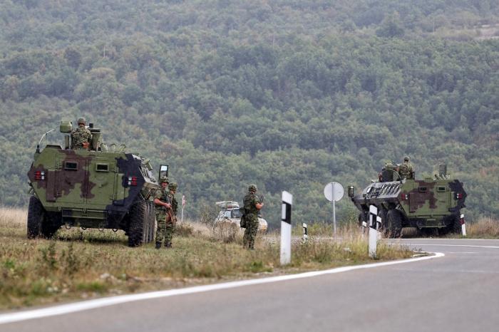Trupele NATO, mobilizate la graniţa dintre cele două state