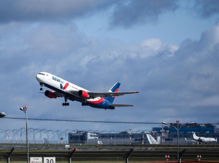 Imaginea terorii, într-un avion cu 175 de pasageri. În cădere liberă şi loviţi de fulger, oamenii erau convinşi că le-a venit sfârşitul, în Rusia