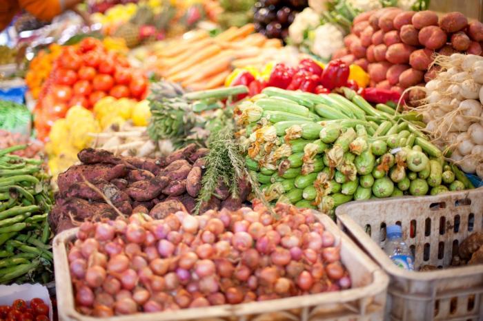 Legumele şi fructele de toamnă, la mare căutare printre gospodine. Autorităţile din Suceava încurajează consumul de la producătorii locali