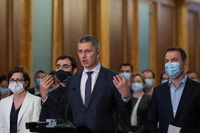 Dan Barna a anunțat demisiile miniștrilor USR-PLUS