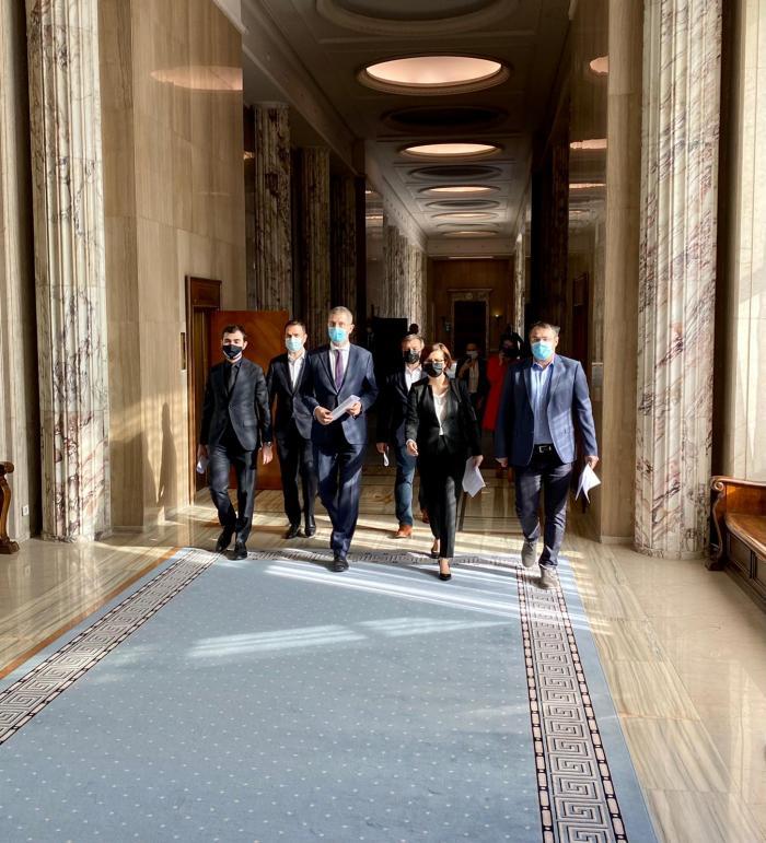 Miniştrii USR PLUS şi-au depus demisiile. Moțiunea de cenzură a fost comunicată Guvernului