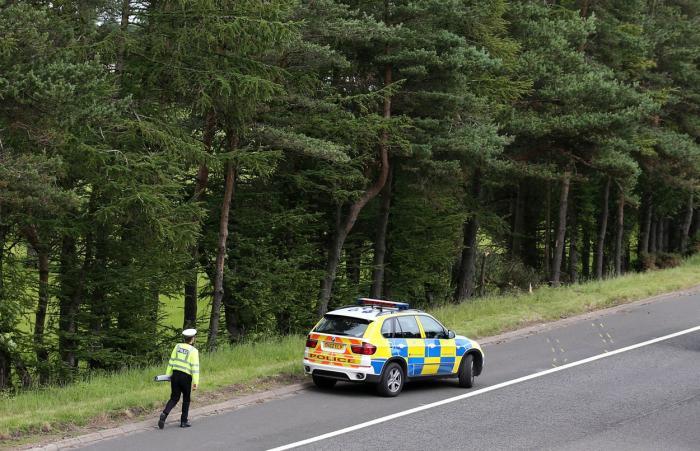 Un cuplu a murit, după ce a stat timp de trei zile blocat într-o maşină, după un accident rutier. Poliţia din Scoţia a ratat apelul