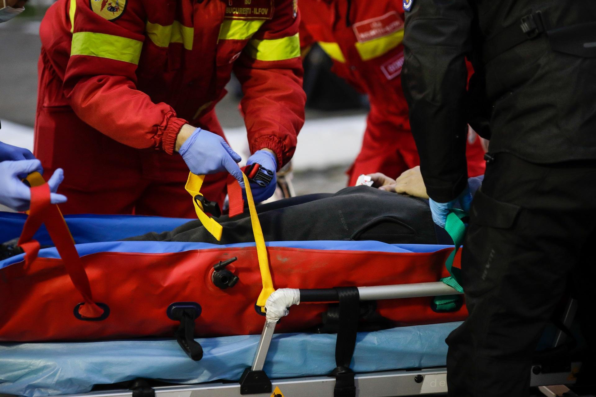paramedicii la un accident rutier