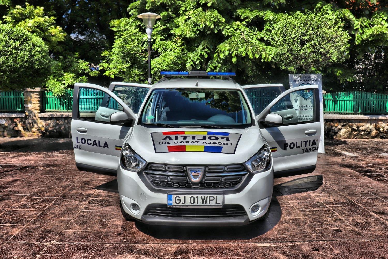 mașină de la Poliția Locală din Târgu Jiu