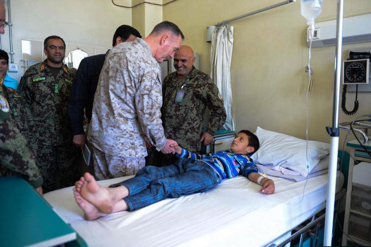 Cei 8 generali care au comandat armata SUA în Afganistan se îmbogățesc după război. 20 de companii americane i-au recrutat