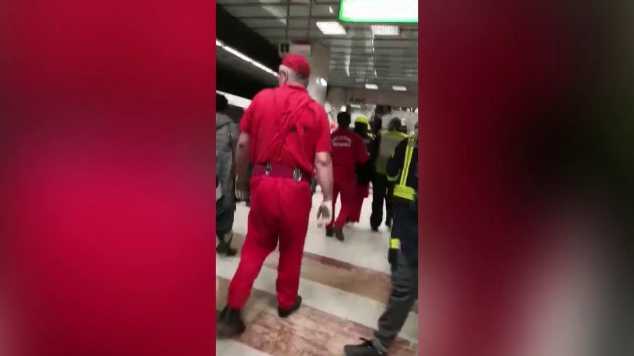 O persoană s-a aruncat în faţa metroului, în staţia Lujerului