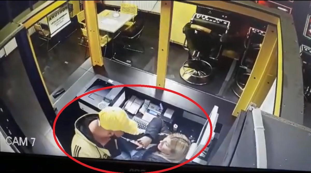 Jaful de la casa de pariuri din Târgu Jiu, filmat de camerele de supraveghere (Video)