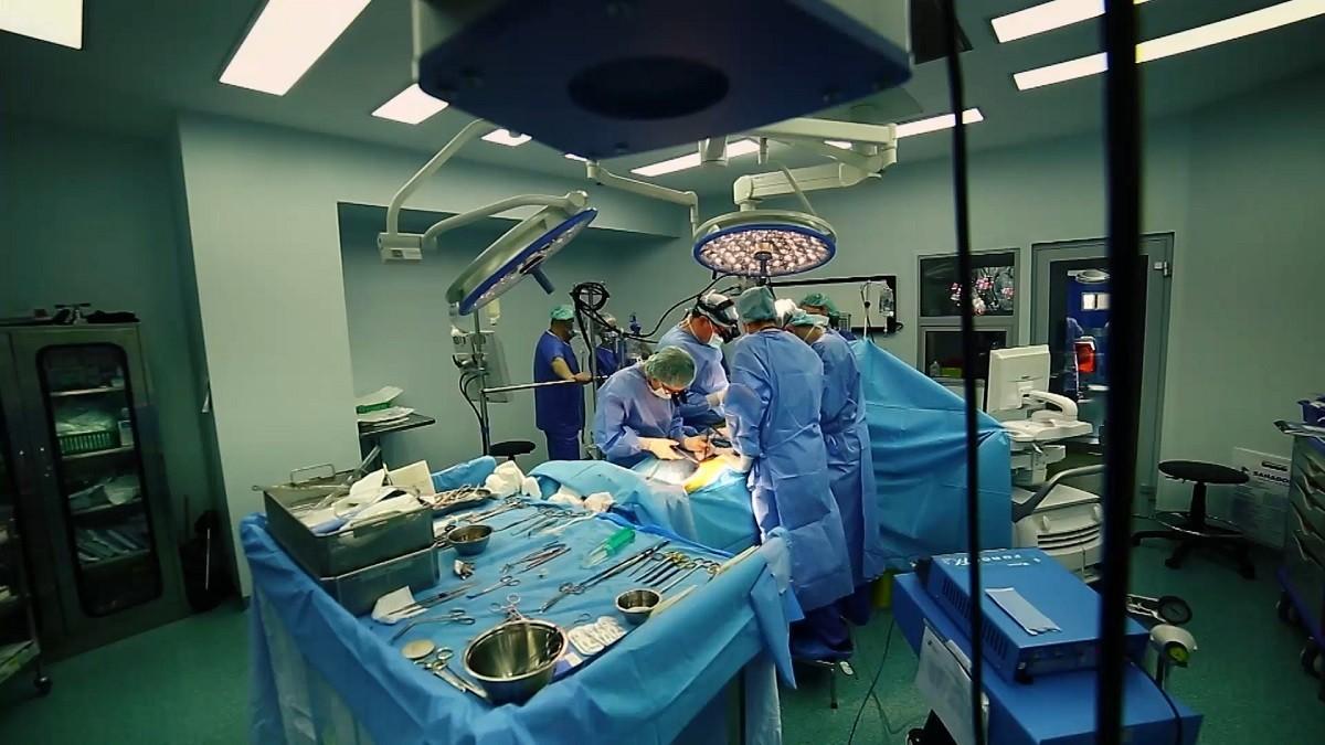 Sănătate, România! Medicii care salvează vieți într-un sistem plin de răni