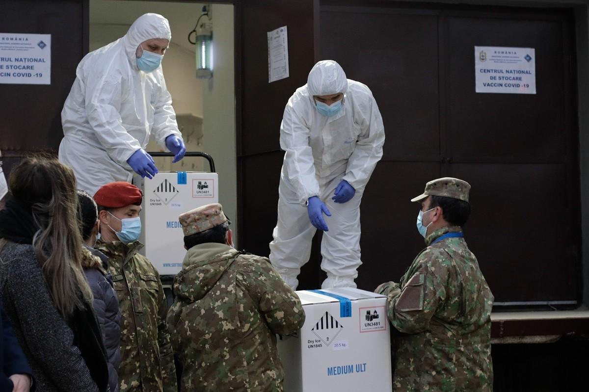 """Primele vaccinuri anti-Covid au ajuns la Institutul Cantacuzino. Cîțu: """"Este un moment important, îl aşteptăm de un an"""""""