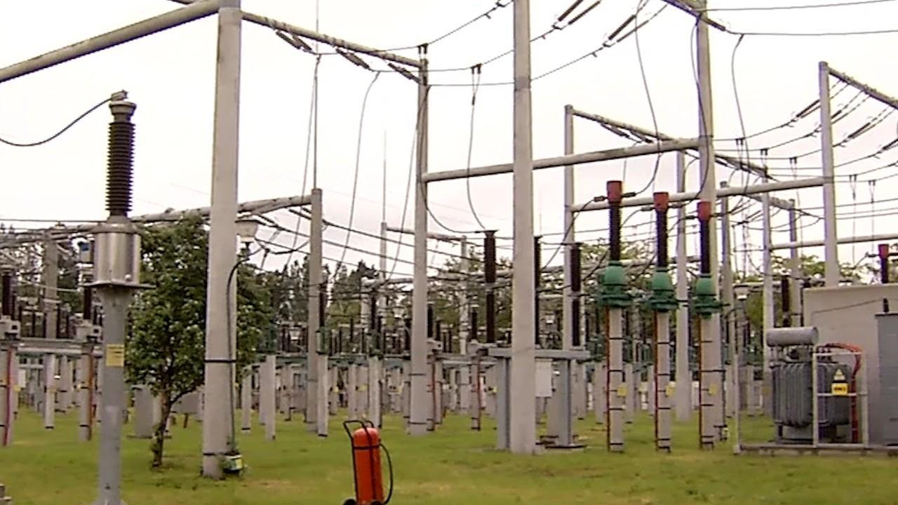 ANRE prelungeşte până la 30 iunie termenul până la care clienţii casnici pot alege furnizorul de energie