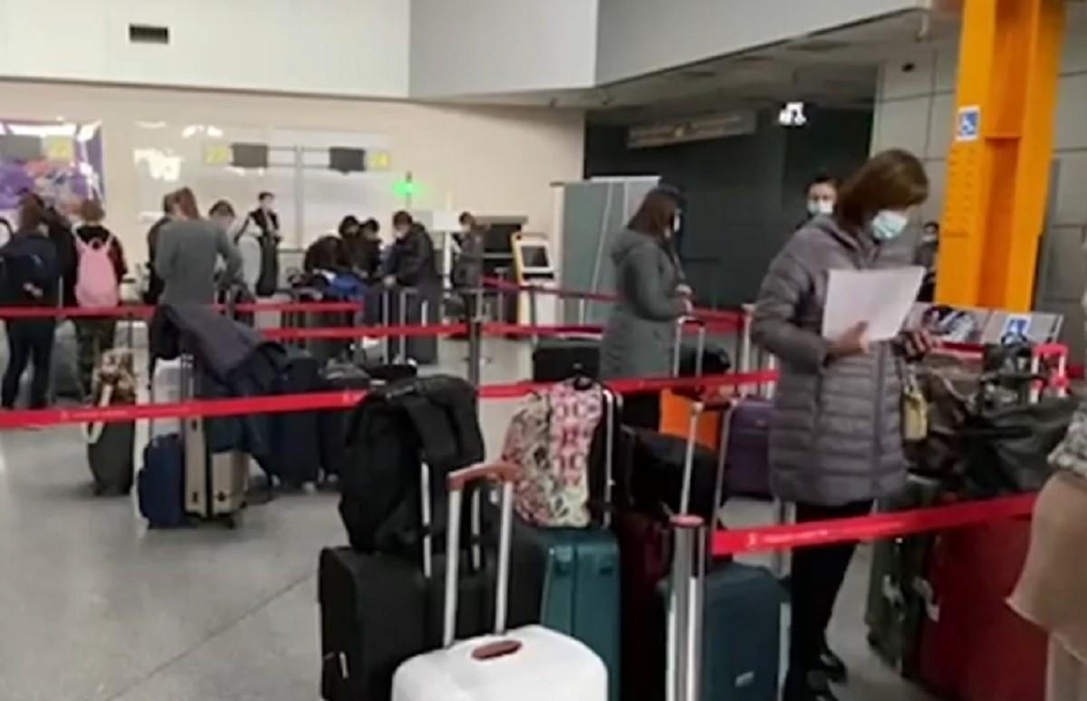 Primul zbor Cluj - Zanzibar, amânat după ce apa din toaleta avionului a îngheţat