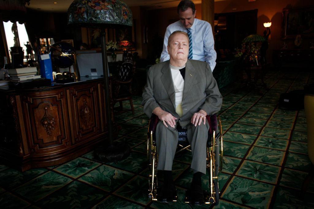 Larry Flynt, controversatul milionar și fondator al revistei Hustler, a murit la vârsta de 78 de ani