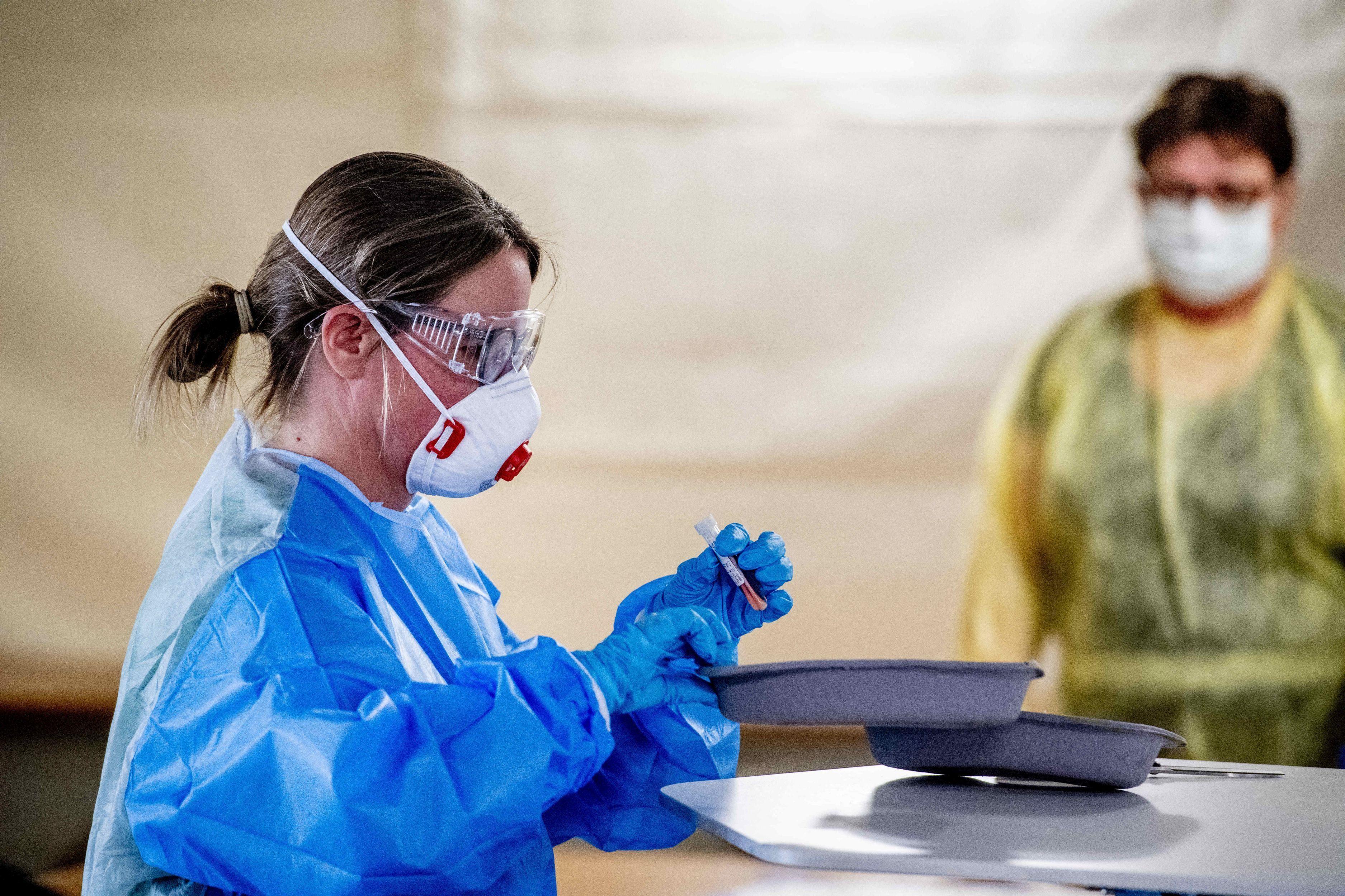 Bilanț coronavirus în România, 16 aprilie. Peste 3.000 de cazuri noi, în ultimele 24 de ore. 1.493 de persoane la ATI