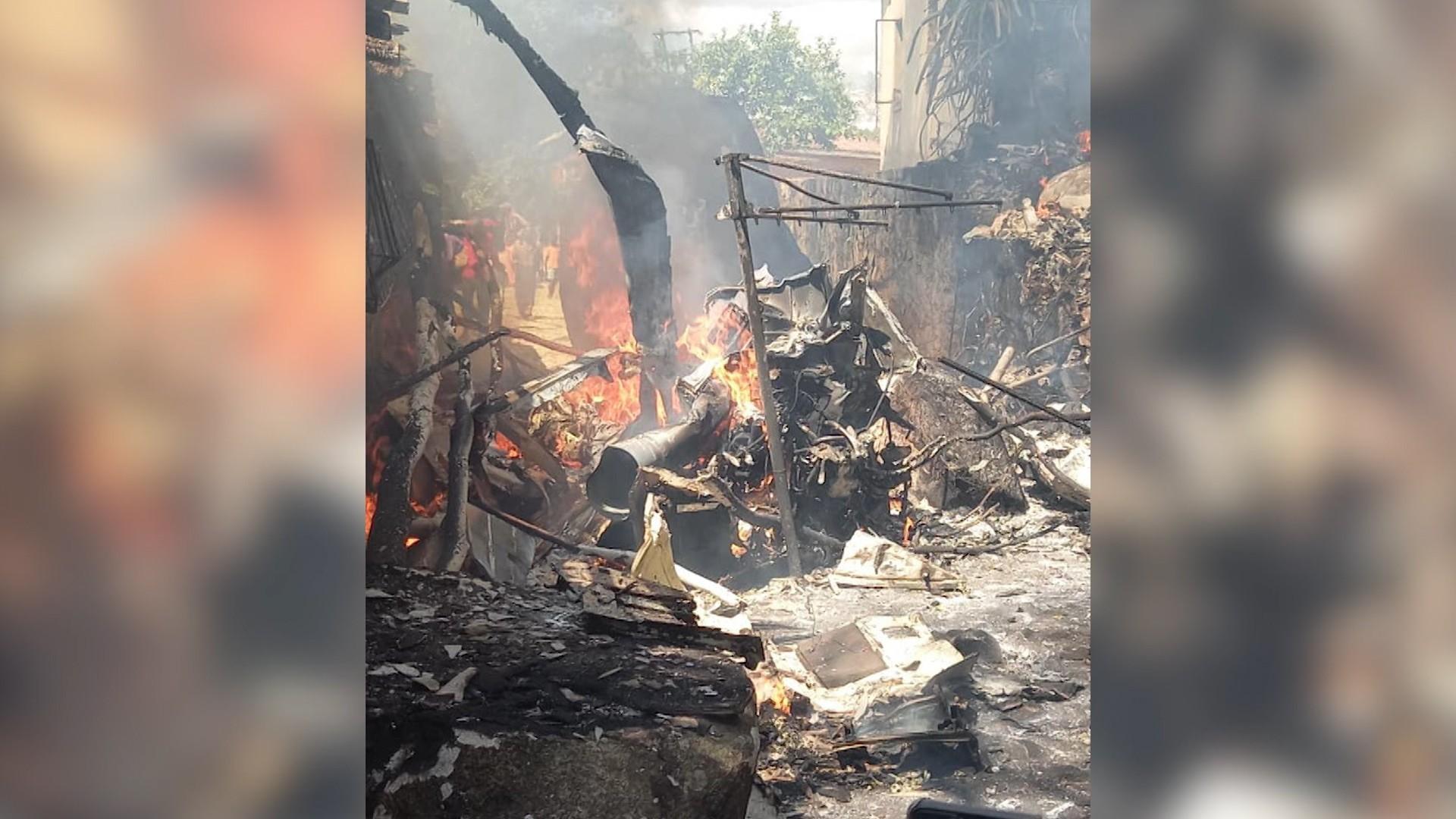 Patru morţi, între care un copil, după ce un elicopter militar s-a prăbuşit peste o casă, în Zimbabwe