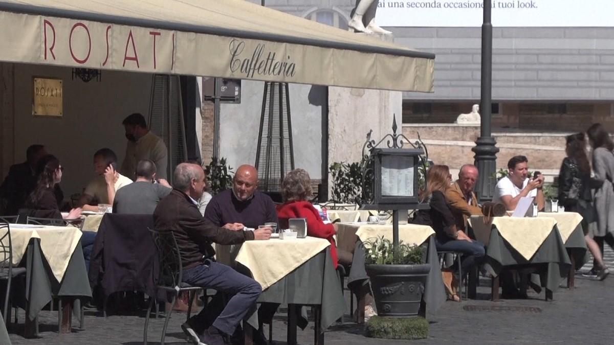 Italia vrea să elimine carantina pentru turiştii străini care s-au vaccinat, au test negativ sau au trecut prin boală în ultimele şase luni