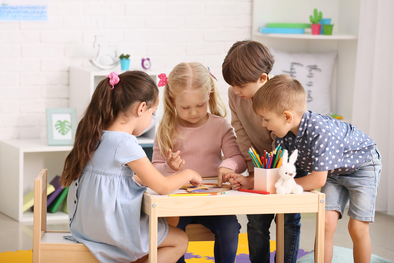 Înscrierea copiilor la grădiniță în anul 2021-2022 începe pe 31 mai. Care este procedura