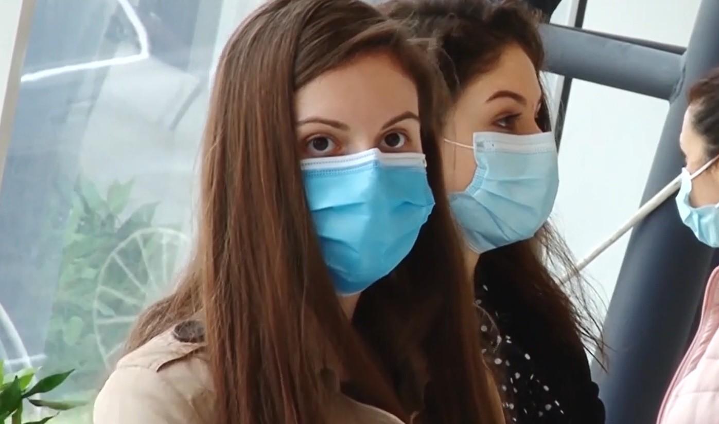 """România, prima ţară din UE care a început vaccinarea copiilor: """"Nici nu mi-am dat seama când a băgat acul"""""""