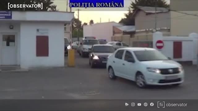 VIDEO O tânără de 18 ani din Ploieşti a fost violată de toţi bărbaţii prezenţi la o petrecere. Victima a fost legată de clanţa uşii