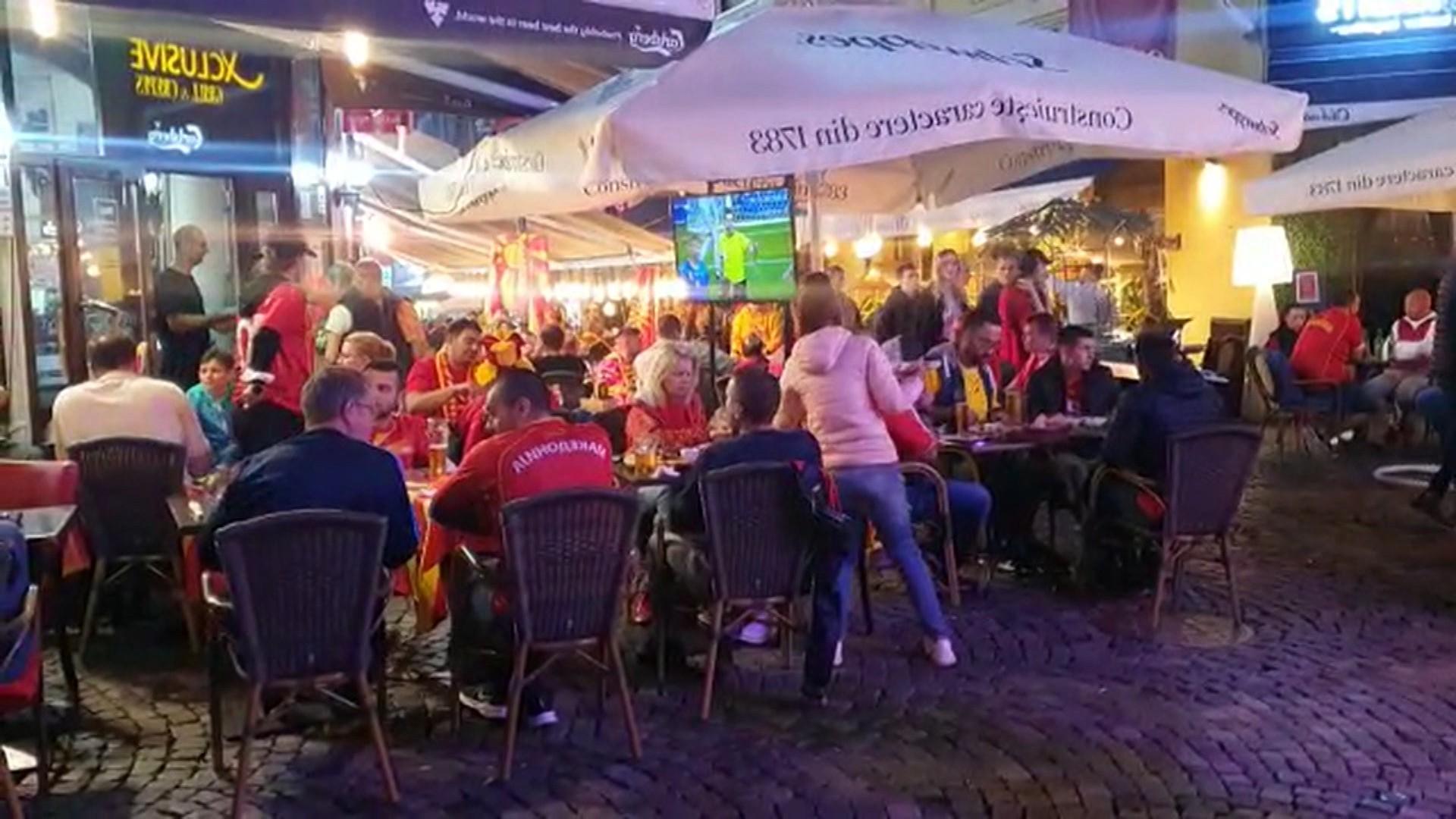 România, la primul meci găzduit vreodată la un Campionat European: Petrecerea de pe stadion s-a mutat în Centrul Vechi