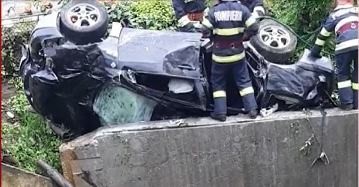 Doi morţi şi doi răniţi grav în urma unui groaznic accident petrecut în Bacău