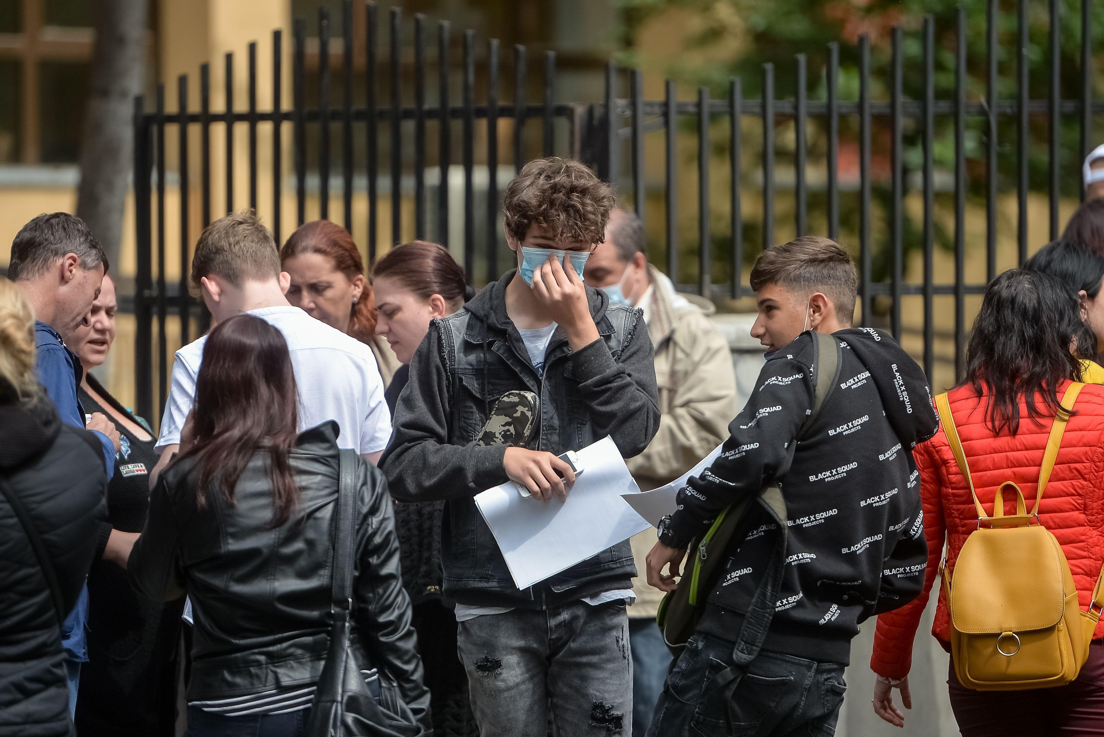 Evaluare Națională 2021, subiecte la limba română. Elevii claselor a VIII-a au susţinut prima probă scrisă