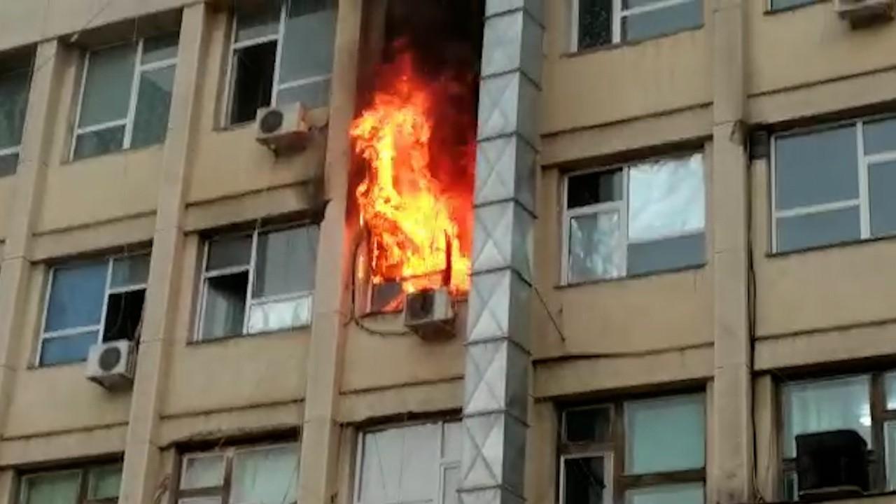 """Incendiul de la spitalul de copii """"Sfânta Maria"""" din Iaşi a fost lichidat: 30 de persoane au fost evacuate, dintre care 12 copii"""