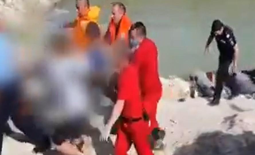 Un băiat de 15 ani a murit înecat într-o balastieră plină cu apă. Adolescentul voia să se relaxeze după ultima probă la Evaluarea Națională
