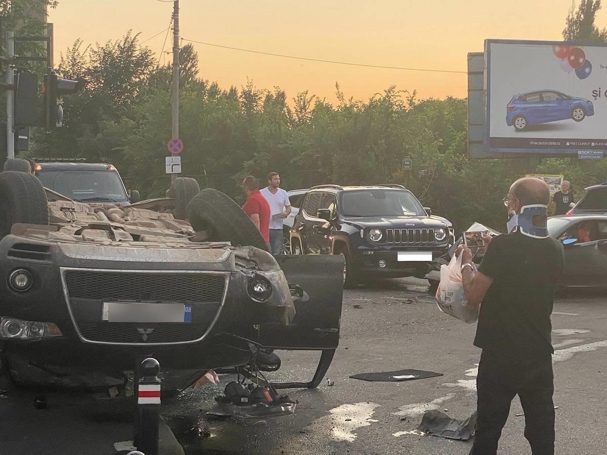"""Alin Petrache, implicat într-un accident spectaculos cu un Ferrari: a treia maşină a fost răsturnată pe plafon: """"Am încercat să trag dreapta, dar eu cred că a accelerat în momentul respectiv"""""""