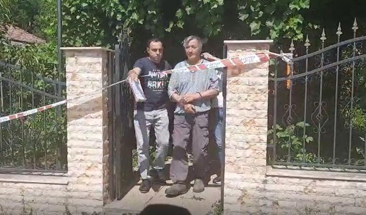 """Un argeșean și-a ucis soția, apoi s-a ascuns în podul casei. În fața jurnaliștilor, bărbatul a făcut o afirmație terifiantă: """"Am ucis-o de plăcere"""""""