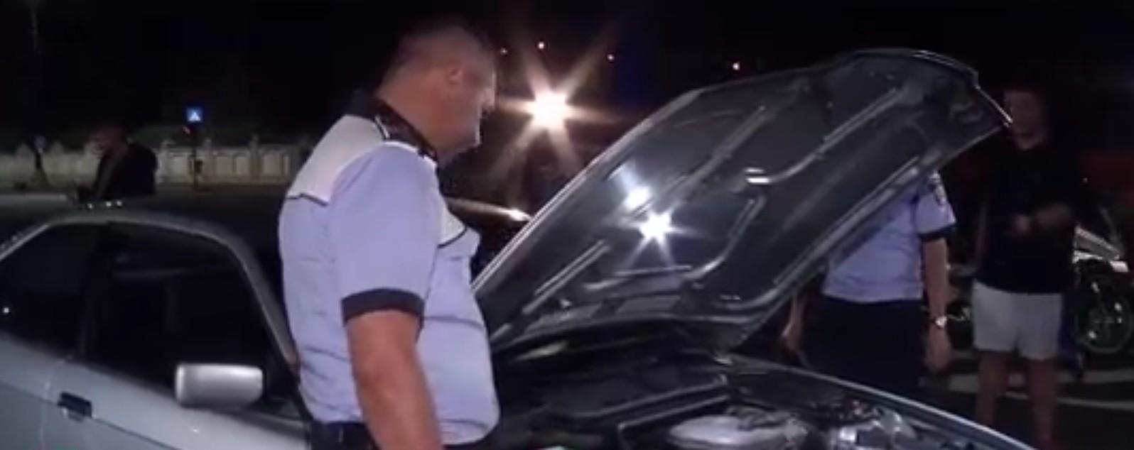 Şoferii cu maşini defecte, lăsaţi fără permis: razie a Brigăzii Rutiere şi a RAR, noaptea trecută, în Bucureşti