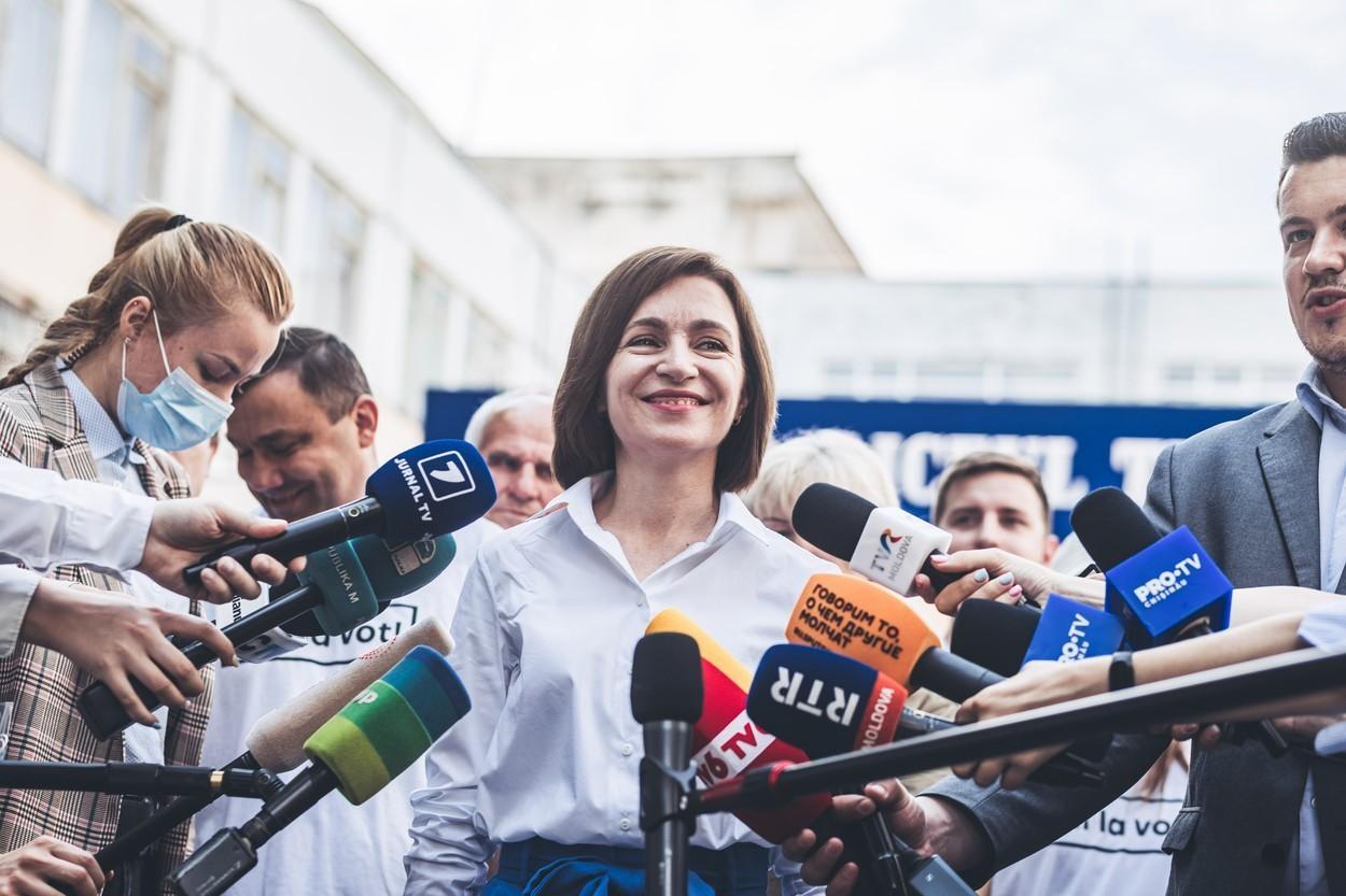 """Ce înseamnă victoria zdrobitoare obținută de partidul Maiei Sandu la alegerile din R. Moldova. Reacții de la București: """"O victorie a democrației"""""""