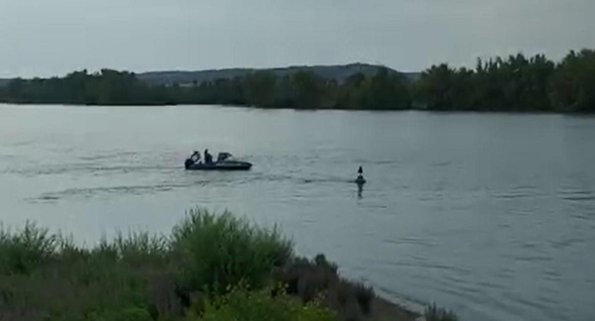 Tânăr student al Şcolii de Marină din Constanţa, dispărut în Dunăre. Scafandrii îl caută pe băiat de aseară