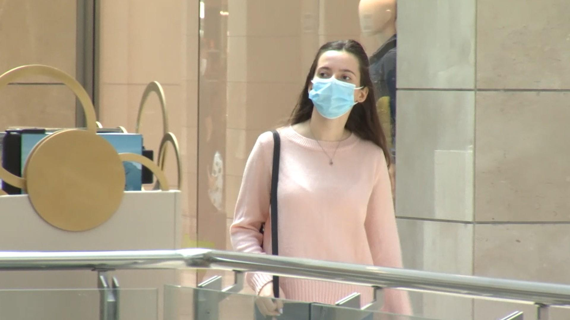 Mersul la mall ar putea fi condiţionat de vaccinare. Ce alte măsuri au fost discutate în coaliţia guvernamentală