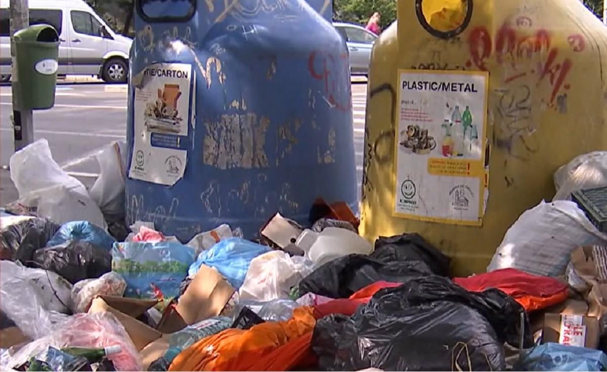Criza gunoaielor din Sectorul 1. Prefectul Capitalei şi-a dat acordul pentru declararea stării de alertă. Ce înseamnă asta