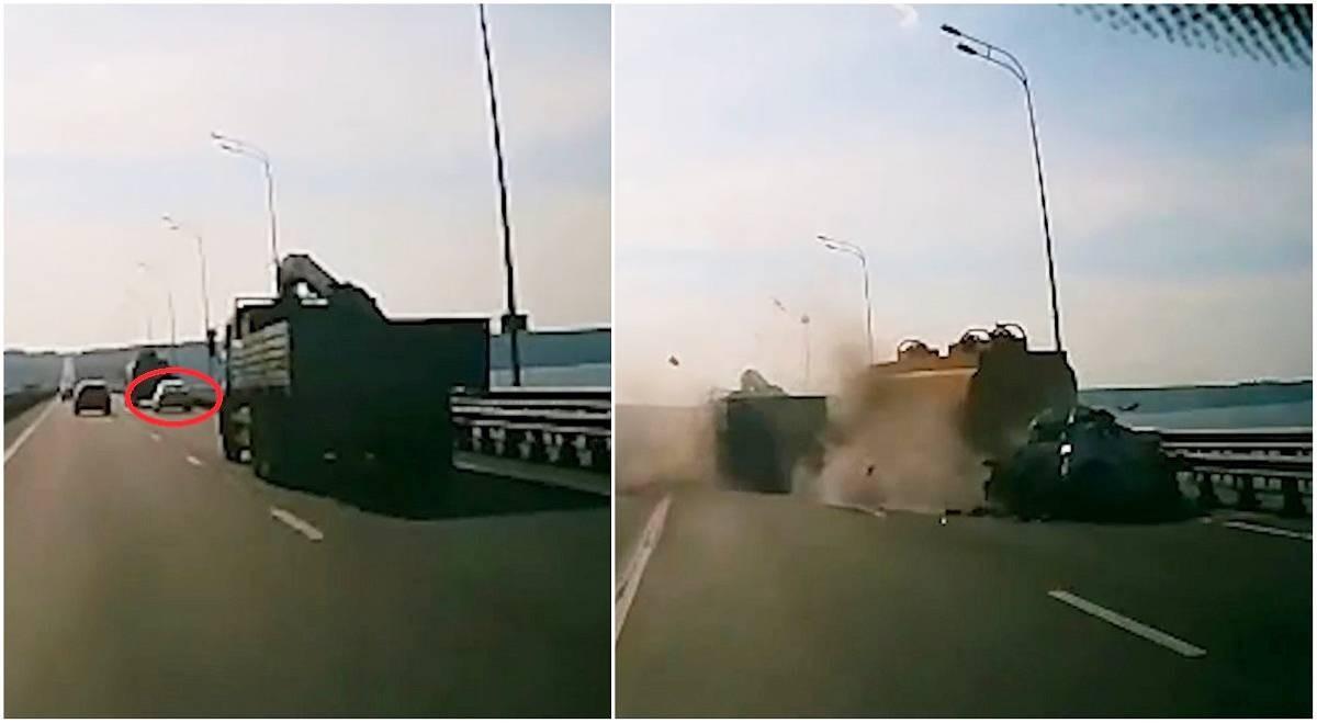 O fetiţă de 2 ani şi părinţii ei, morți într-o Kia Rio strivită de două camioane, pe un pod din Rusia. Accidentul a fost filmat