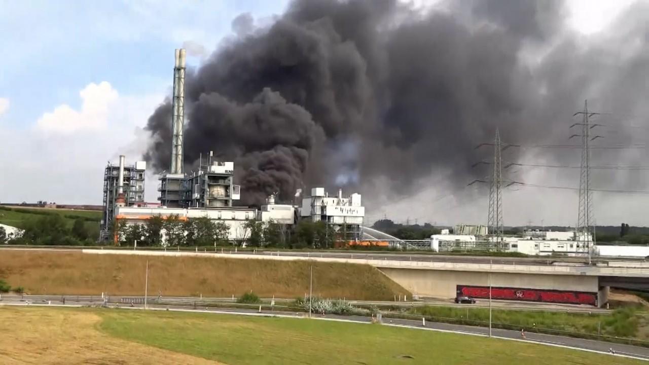 Explozie puternică la o fabrică din Leverkusen. Un angajat a murit, iar mai mulţi au fost răniţi. Alţi cinci sunt daţi dispăruţi