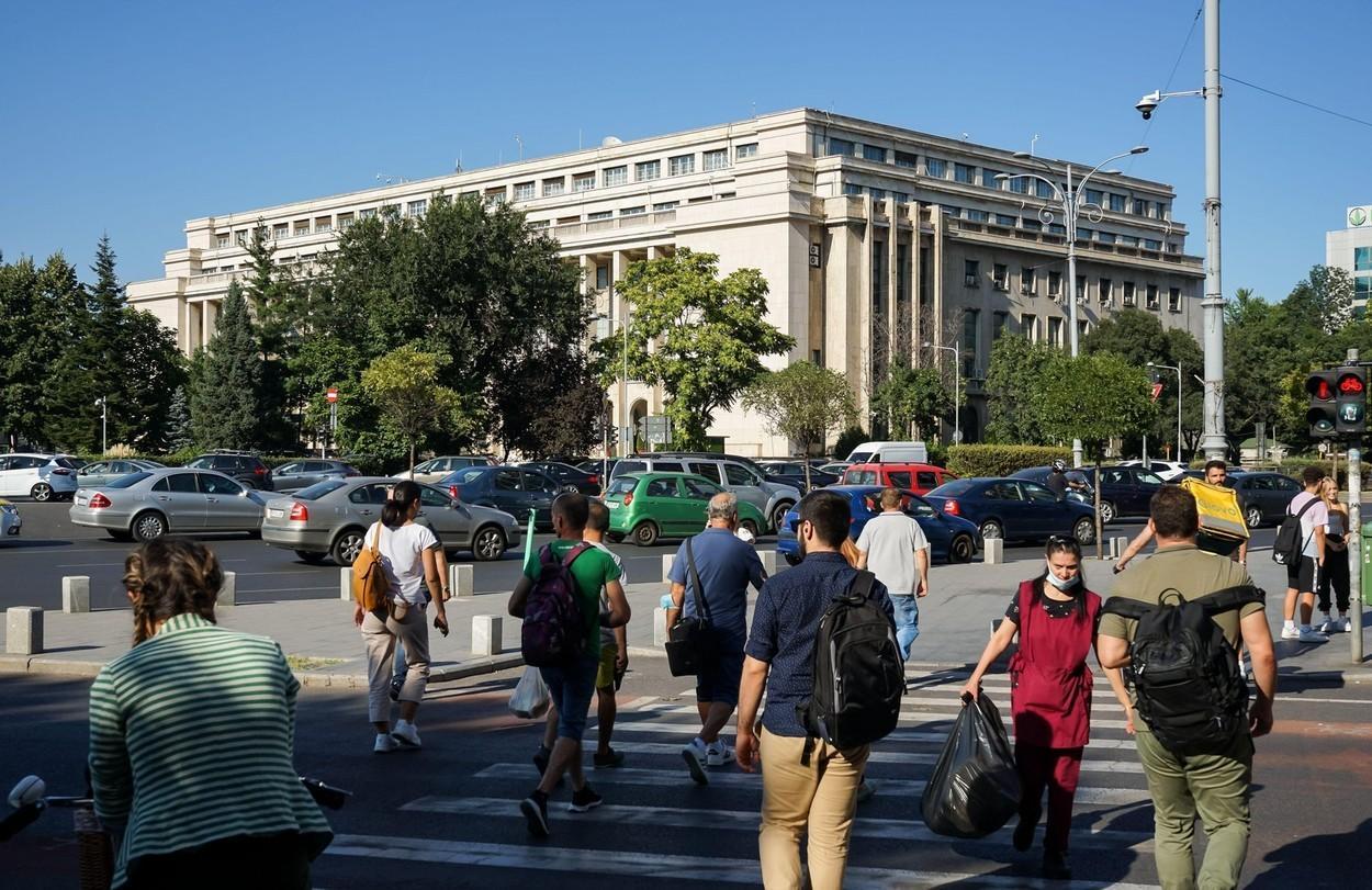 Studiu: Bunăstarea familiei, cariera şi banii, principalele motive de îngrijorare ale românilor între 20 și 40 de ani
