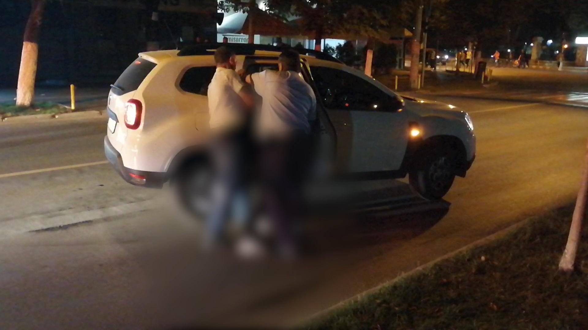 Adolescent acuzat de furt şi fugit de sub nasul poliţiştilor, prins la Buzău cu focuri de armă