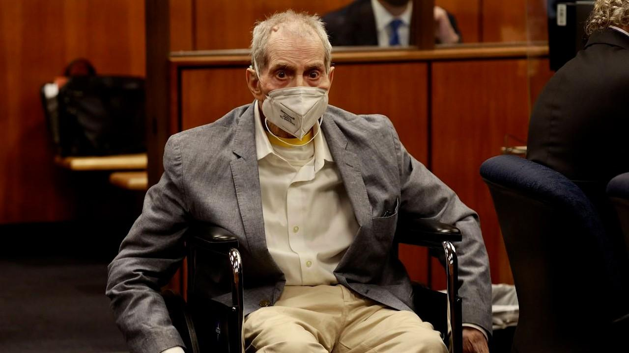 """Un miliardar american, descris drept """"un psihopat narcisist"""", a fost condamnat pentru uciderea celei mai bune prietene. Și soția lui a dispărut în 1982"""