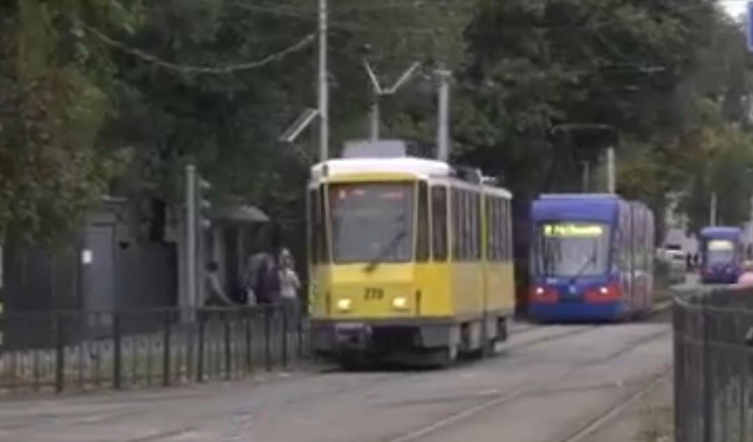 Tramvaiul, autobuzul, maşina sau bicicleta: cine ajunge mai repede? Experiment inedit realizat în Oradea